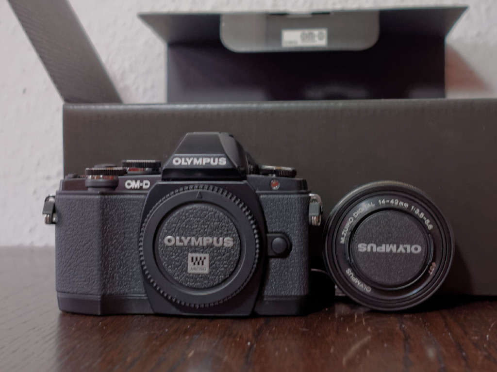Olympus OM-D E-M10 & Olympus M.Zuiko Digital 14 - 42mm EZ