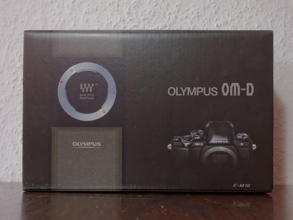Olympus OM-D E-M10 Kit Karton.