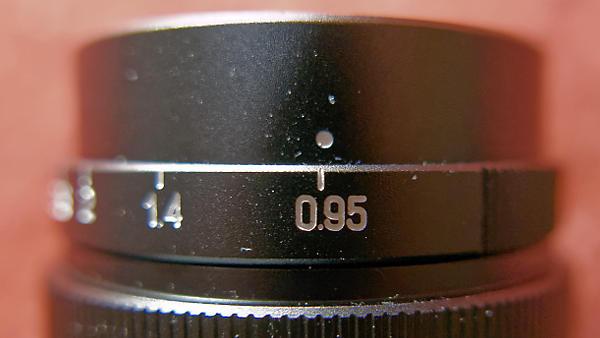Der Markierungspunkt für die blende kann sich beim An- und Abschrauben von Filtern verschieben.